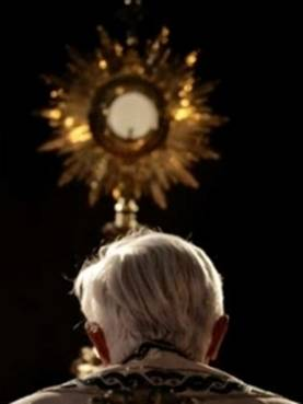 Bento XVI na festa do Corpo de Deus